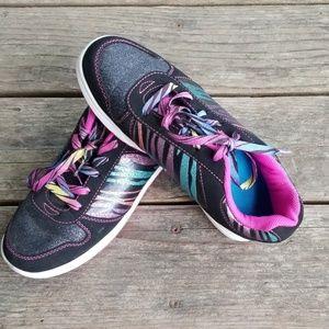 Disney's LivMaddie shoes size 5